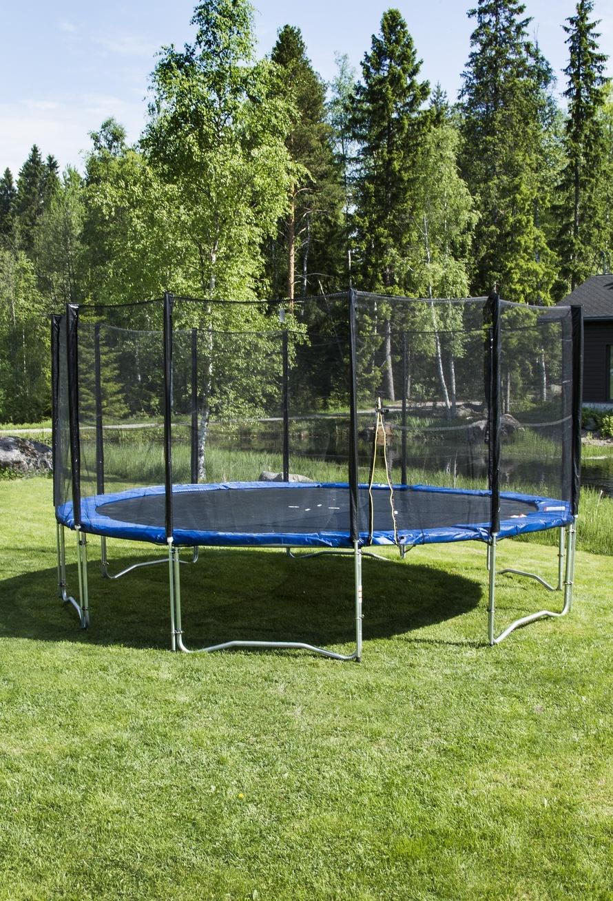 ka101597106_trampoliini5m_120jousta